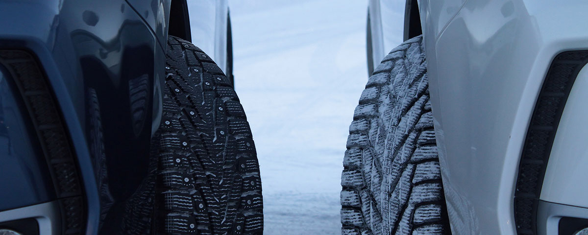 Studded and studless snow tires