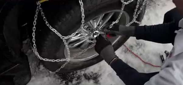 Step 5 - Pull chains toward center of tire