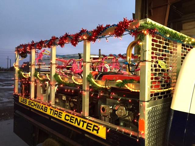 Les Schwab truck with Christmas decorations