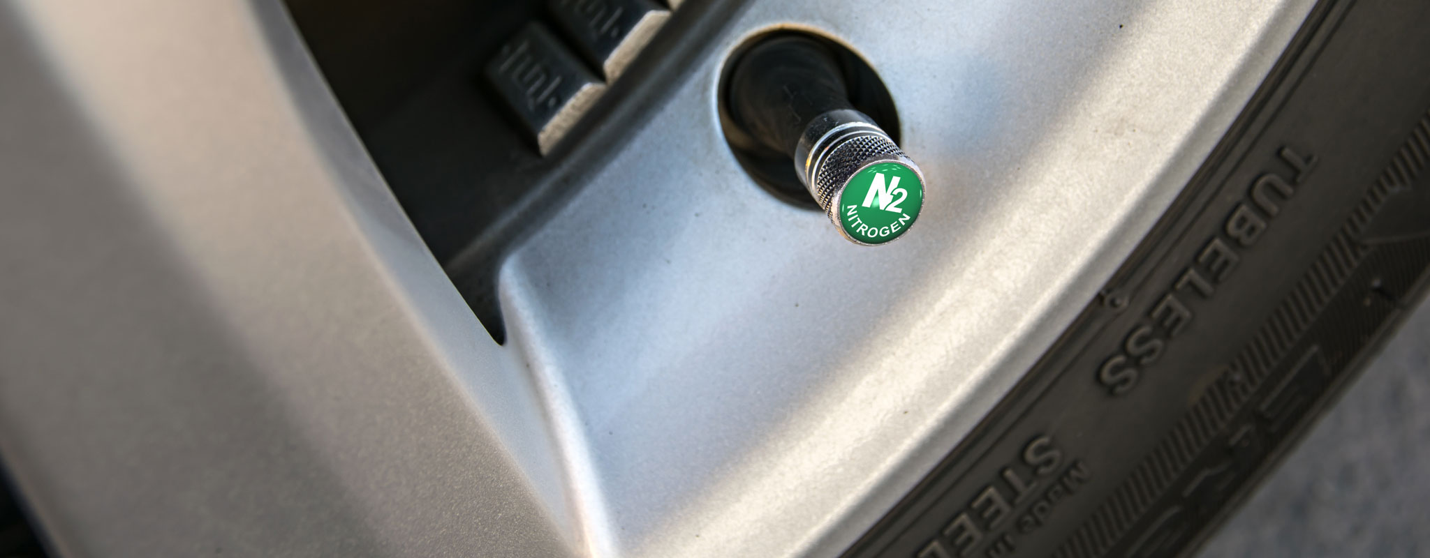 Nitrogen In Tires >> Are Nitrogen Filled Tires Worth The Cost Les Schwab