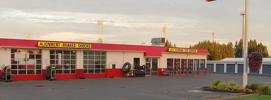 911 N 1st St Les Schwab Tire Center