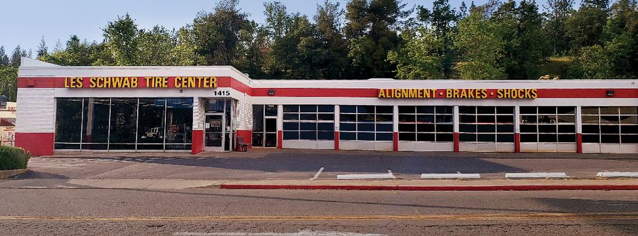 1415 Broadway Les Schwab Tire Center