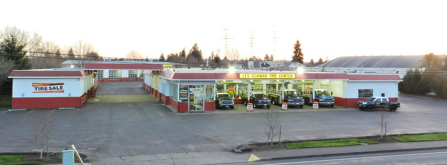 917 NE Minnehaha St Les Schwab Tire Center