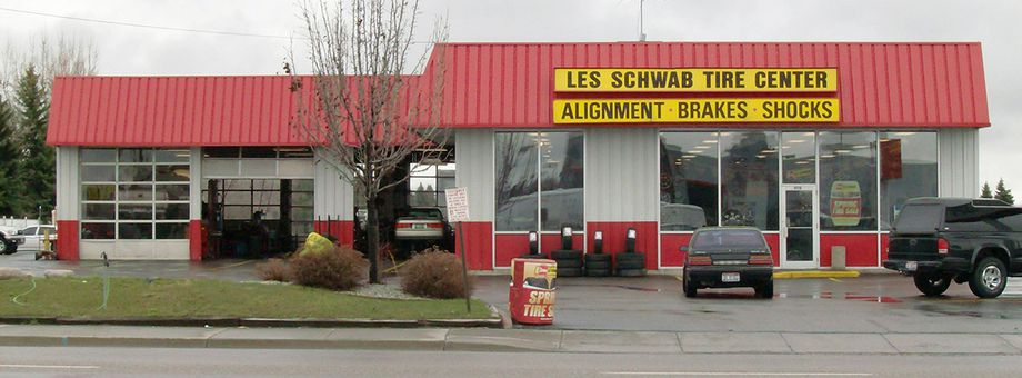 970 E 17th St Les Schwab Tire Center