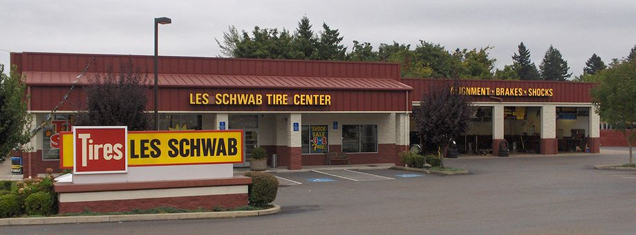 8910 SW Barbur Blvd Les Schwab Tire Center